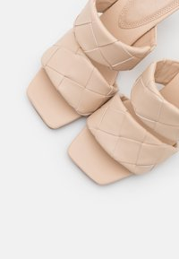 NA-KD - BRAIDED DOUBLE STRAP MULE - Heeled mules - nude - 5