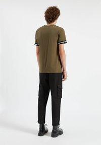 PULL&BEAR - Print T-shirt - dark green - 2