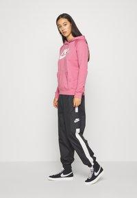 Nike Sportswear - HOODIE - Hoodie - desert berry - 1