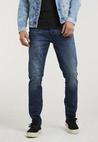 CHASIN' - CROWN OREGON - Straight leg jeans - dark blue - 0