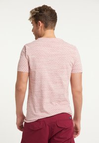 Petrol Industries - T-shirt med print - fire red - 2