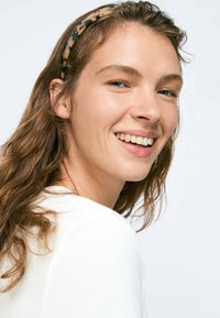 OYSHO - Headscarf - beige - 1