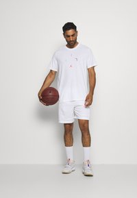 Jordan - AIR BBALL SHORT - Sports shorts - white - 1