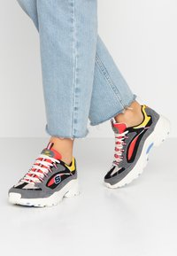 Skechers Sport - STAMINA - Trainers - charcoal/ red/yellow/ blue - 0
