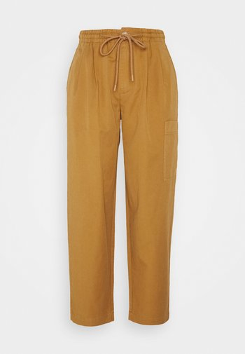 THE WOVEN JOGGPANTS - Trousers - suntanned