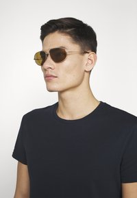 Tom Ford - Sunglasses - rose gold-coloured / brown - 1