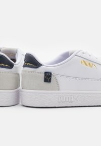 Puma - RALPH SAMPSON MC CLEAN UNISEX - Sneakers laag - white/peacoat/whisper white - 5
