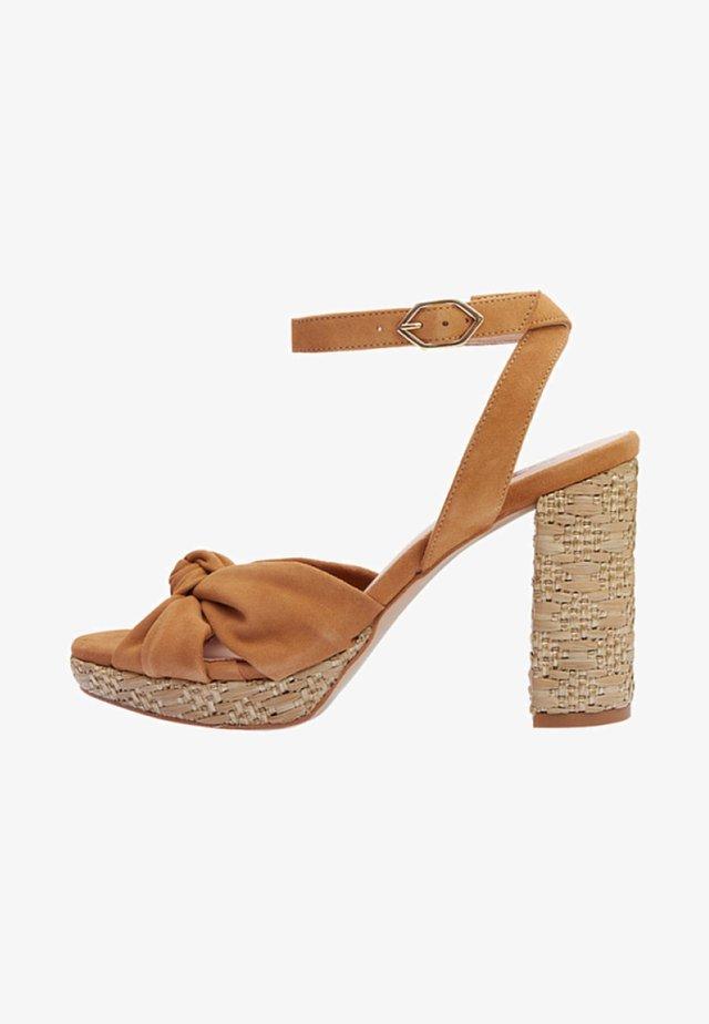 ESMA - Sandalen met hoge hak - brown