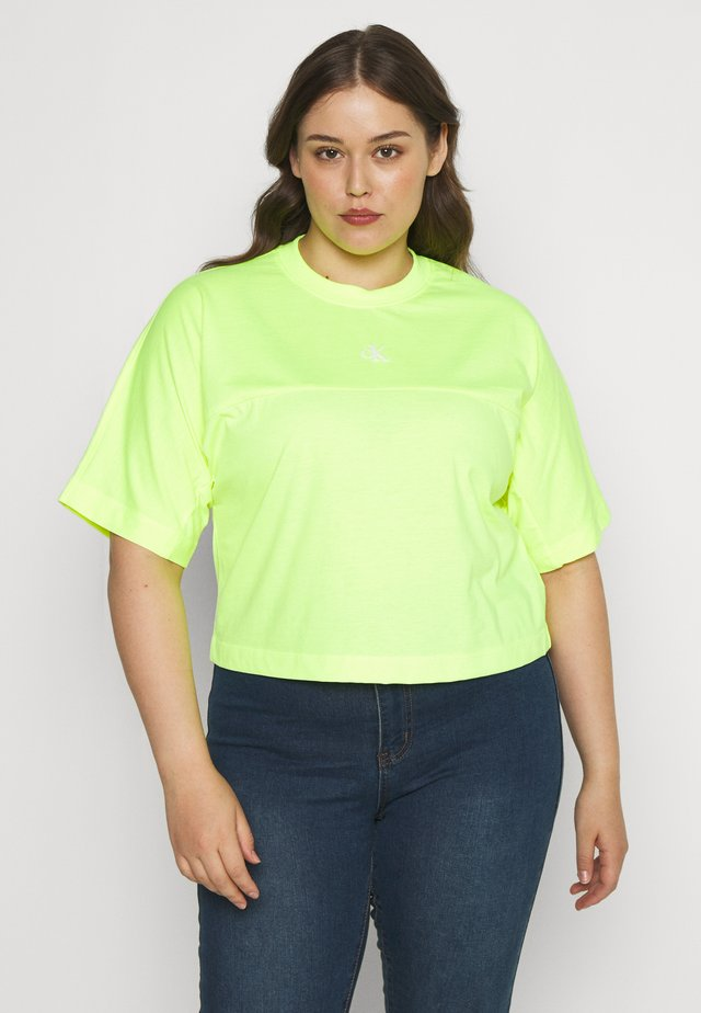 PLUS PUFF BACK LOGO TEE - Print T-shirt - yellow