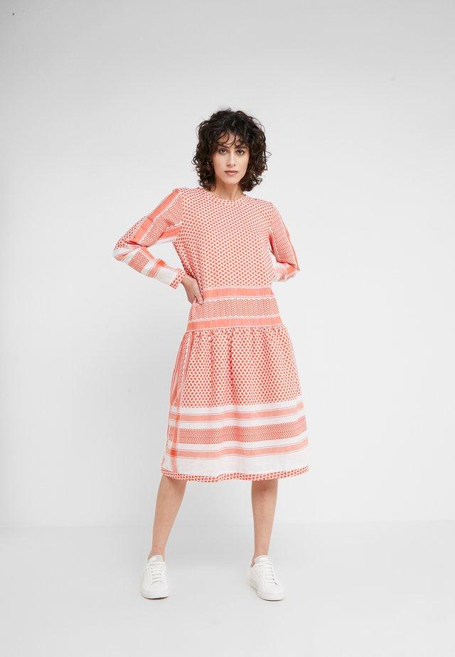LYNETTE - Day dress - coral