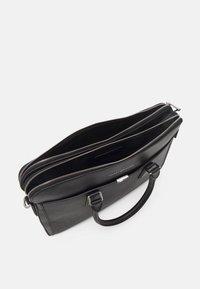 Tommy Hilfiger - BUSINESS SLIM COMP BAG UNISEX - Stresskoffert - black - 2