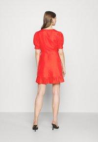 Forever New - BOSTON WRAP SKATER DRESS - Robe d'été - red - 2