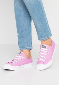 Converse - CHUCK TAYLOR ALL STAR DAINTY - Baskets basses - peony pink/white - 0