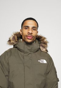 The North Face - RECYCLED MCMURDO UTILITY - Down coat - new taupe green - 4