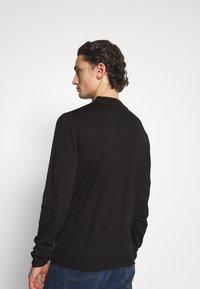 Newport Bay Sailing Club - TURTLE NECK - Stickad tröja - black - 2