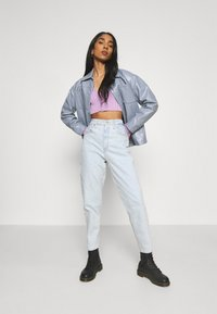 Levi's® - HIGH WAISTED MOM - Pantaloni - what the flip - 1