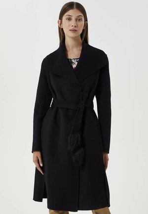 Płaszcz wełniany /Płaszcz klasyczny - 22222