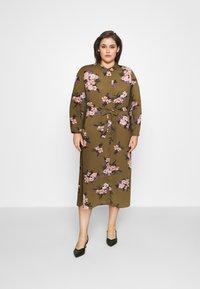 Vero Moda Curve - VMNEWALLIE  - Shirt dress - beech/newallie - 1