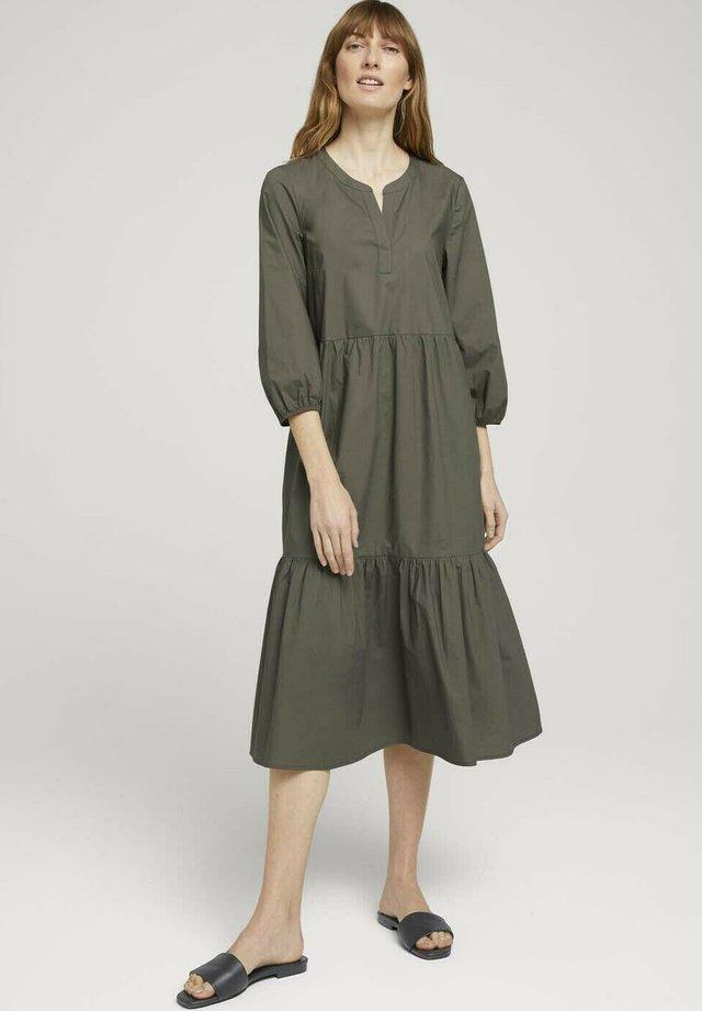 Sukienka letnia - grape leaf green