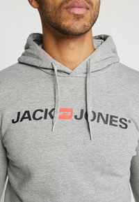 Jack & Jones - JJECORP LOGO HOOD - Hoodie - light grey melange - 4