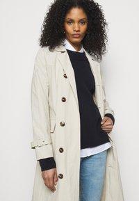 J Brand - MID RISE CROP - Jeans Skinny Fit - domina - 3