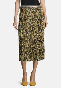 Betty Barclay - Pleated skirt - grün/schwarz - 0