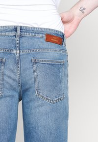 Won Hundred - DEAN - Straight leg jeans - true blue - 3