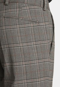Isaac Dewhirst - CHECK SUIT - Costume - light brown - 8