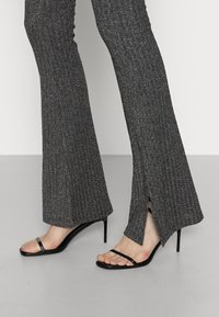 ONLY Tall - ONYFAVE LIFE ONECK CROPPED - Felpa - jadeite - 3