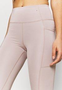 Cotton On Body - LIFESTYLE POCKET - Leggings - mushroom laser - 4