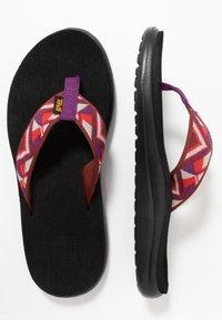 Teva - VOYA - Sandály s odděleným palcem - cayambe firey red - 1
