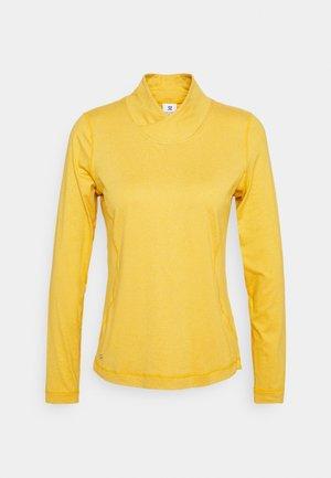 AGNES MOCK NECK - Maglietta a manica lunga - amber