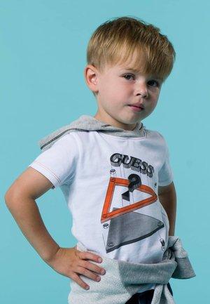 FRONTLOGO - T-shirt z nadrukiem - weiß