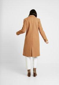 Object - OBJLINA COAT - Frakker / klassisk frakker - doe - 2