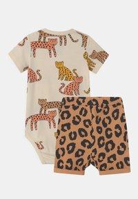 Lindex - LEO SET UNISEX - Print T-shirt - dark beige - 1