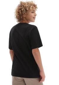 Vans - INVERTED BONES - Print T-shirt - black - 1