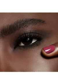 MAC - POWDER KISS EYESHADOW SMALL EYESHADOW - Eye shadow - give a glam - 6