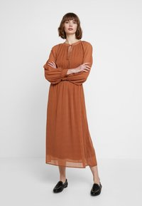 mint&berry - Maxi dress - white/ brown - 1