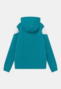 Nike Sportswear - CORE AMPLIFY - Mikina na zip - aquamarine/wolf grey/white/turf orange - 1