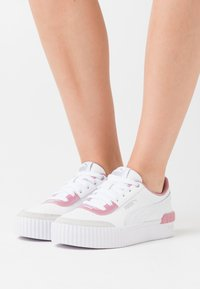 Puma - CARINA LIFT  - Sneakers laag - white - 0
