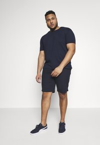 Tommy Hilfiger - BROOKLYN LIGHT  - Shorts - blue - 1