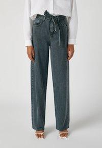 PULL&BEAR - Jeans a zampa - black - 0
