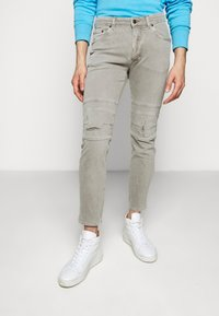 DRYKORN - RAZ - Slim fit jeans - grau - 0