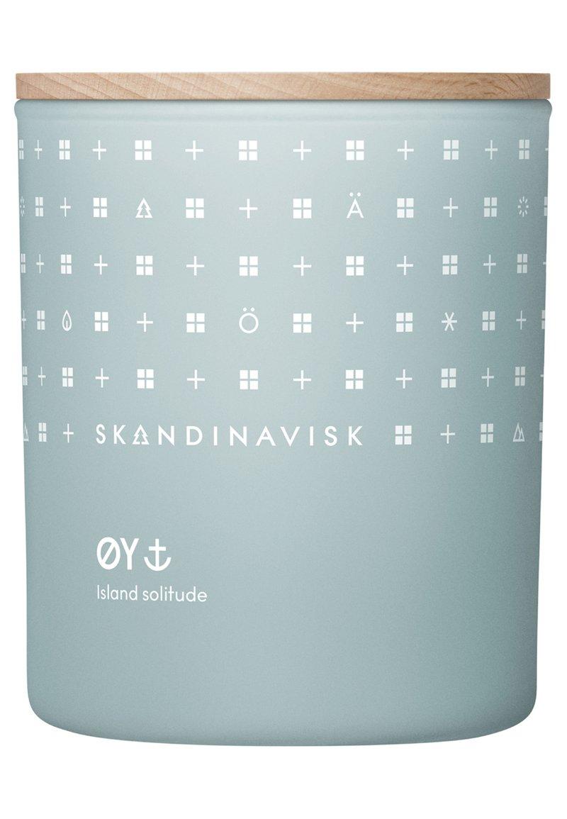Skandinavisk - SCENTED CANDLE WITH LID - Duftkerze - øy
