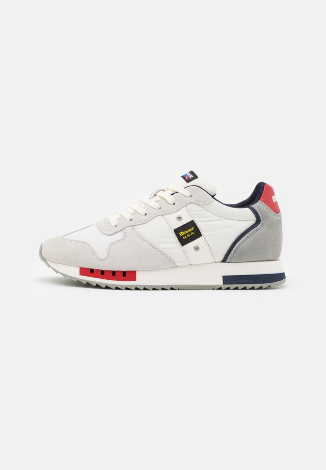QUEEN - Sneakersy niskie - white/red/navy