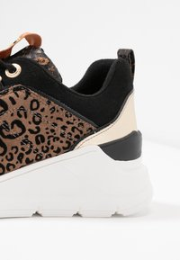 River Island - Trainers - brown - 2