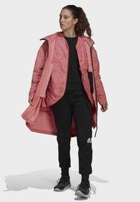adidas Performance - MYSHELTER 4IN1 - Parka - pink - 1