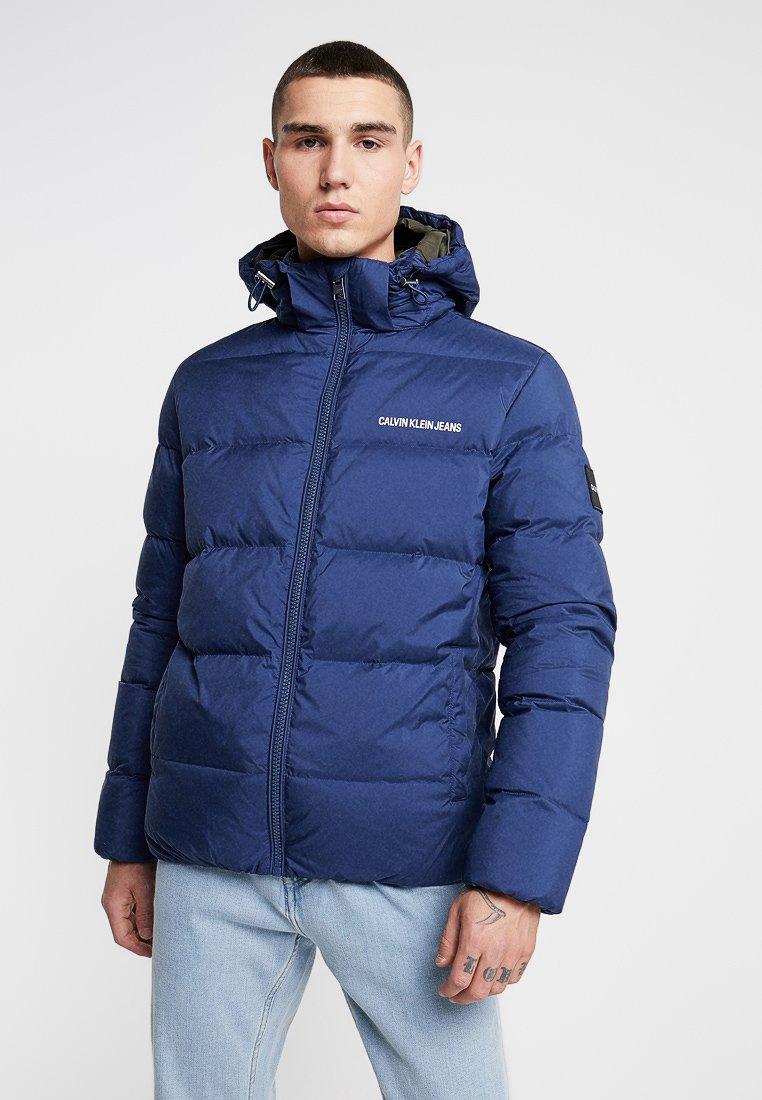 Calvin Klein Jeans - HOODED DOWN PUFFER  - Winter jacket - blue