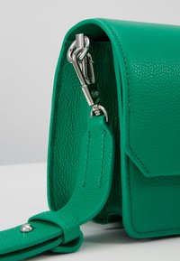 3.1 Phillip Lim - ALIX MINI SHOULDER BAG - Across body bag - kelly green - 5