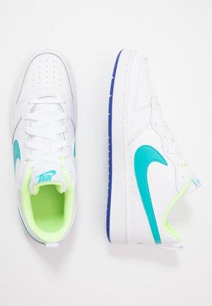 COURT BOROUGH UNISEX - Trainers - white/oracle aqua/hyper blue/ghost green